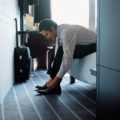 Командировочный фитнес: тренировка с чемоданом