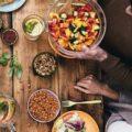 Ученые составили список того,  что нельзя делать до,  во время и после еды