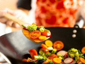 Какие приготовленные блюда нельзя разогревать дважды?