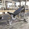 57 лучших упражнений с наклонной скамьей от Би-Джея Гаддура